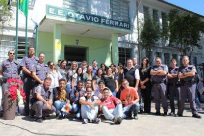 54º Batalhão da PM promove a 1ª Feira de Profissões Militares na Escola Otávio Ferrari e busca a aproximação com a sociedade