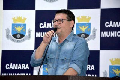 Vereador Rodrigo Tassinari pede acessibilidade aos bancos
