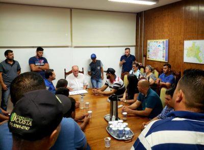 Caminhoneiros autônomos se reúnem com prefeito em busca de apoio