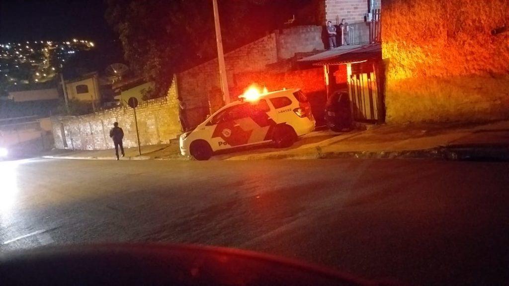 Homem é encontrado degolado na Rua 9 de Julho