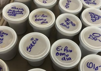 Hospital viraliza ao servir marmitas com mensagens motivacionais em SP