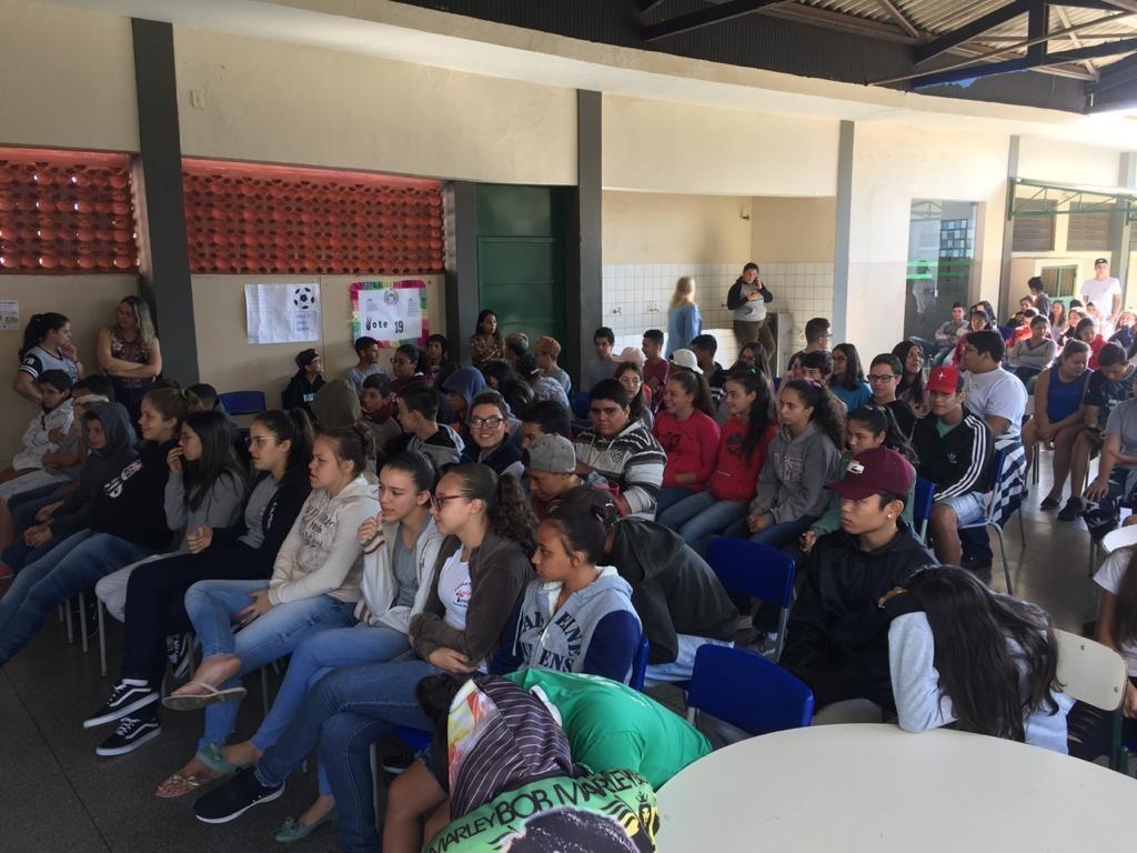 Alunos do curso de Engenharia Florestal da FAIT realizam palestras em Coronel Macedo