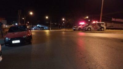 Acidente entre carro e moto na Avenida Paulina de Moraes