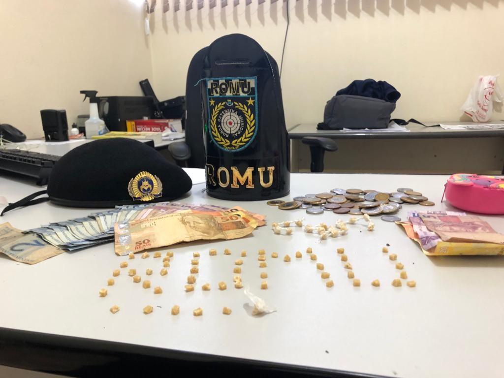 Casal é detido suspeito de traficar drogas na Vila Dom Bosco