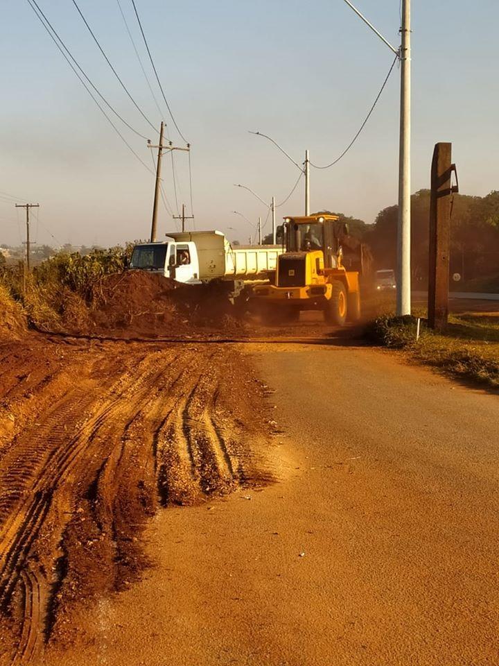 Prefeitura dá início aos trabalhos de preparação para pavimentação asfáltica na via de acesso ao Jardim Kantian