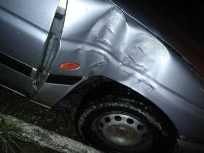 Motorista bate em veículo e foge sem prestar socorro