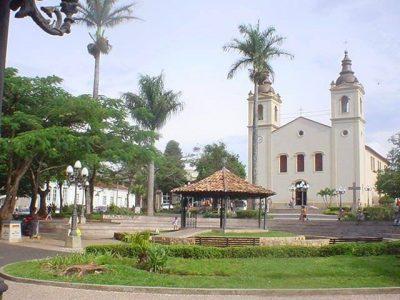 Igrejas permanecem abertas em Itapeva