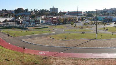 Praça de Eventos recebe revitalização e reforma dos equipamentos esportivos