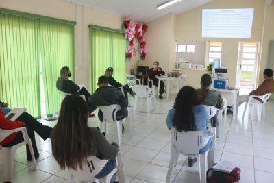 Desenvolvimento Social de Itapeva participa de capacitação profissional