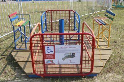 Playground com acessibilidade está sendo instalado na Praça de Eventos