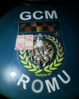 GCM prende indivíduo com drogas e dirigindo sem habilitação