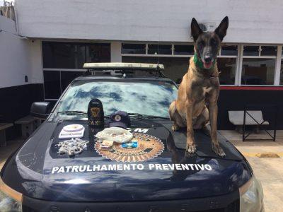 Após denúncia, GCM apreende drogas em casa abandonada na Vila Dom Bosco